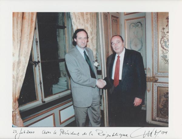 Met president Chirac tijdens zijn correspondentschap in Parijs. Foto: Vincent Mentzel