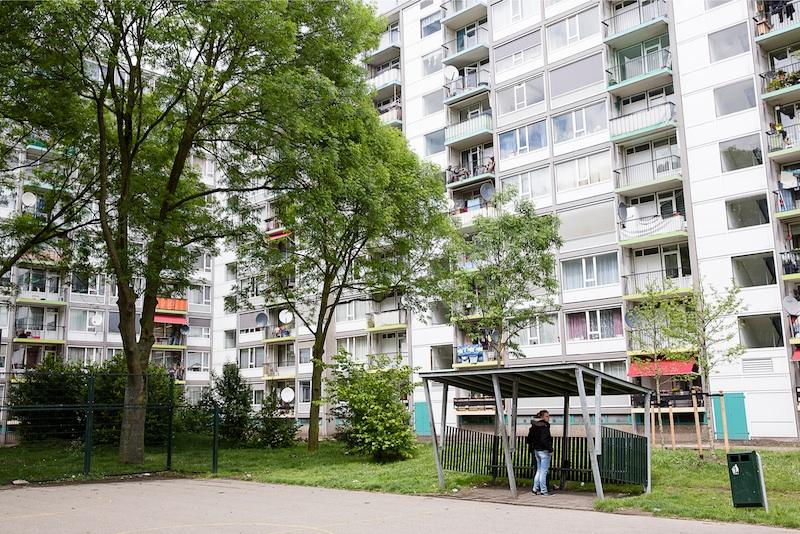 Hoogbouw in Utrecht Overvecht, ooit het toonbeeld van moderniteit en bedoeld voor de gegoede middenklasse. Nu wonen er zogeheten 'kwetsbare Utrechters'. Foto: Peter de Krom