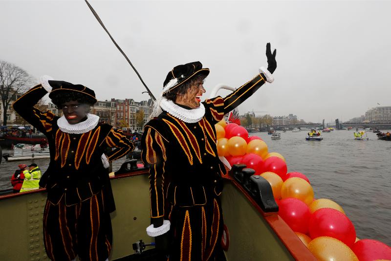 Bij de Amsterdamse intocht was een kwart van de Pieten een Roetpiet. Volgend jaar de helft? Foto: Eric Minnaard