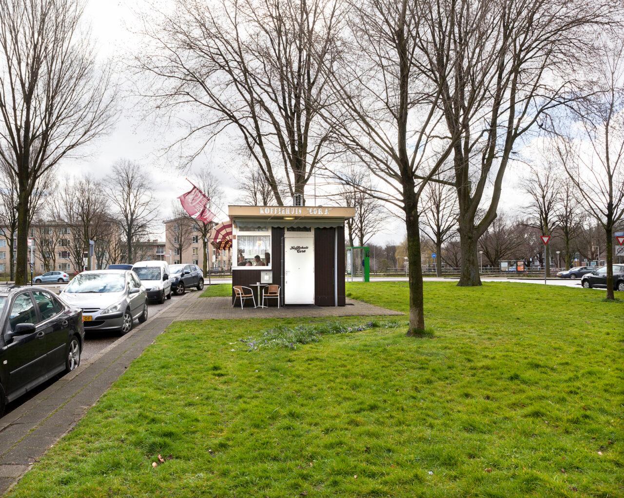 Koffiehuis CoraAagje Dekenlaan t/o 63, open vanaf 6.00 uur.
