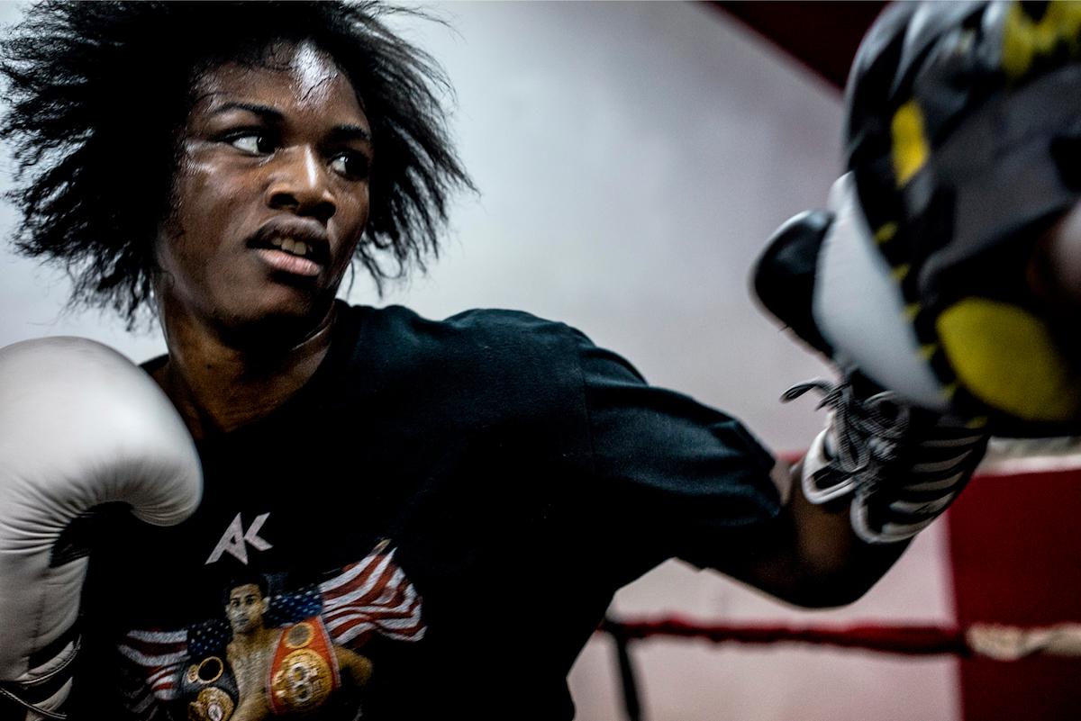De Afro-Amerikaanse bokskampioen die voor haar vervallen stad vecht