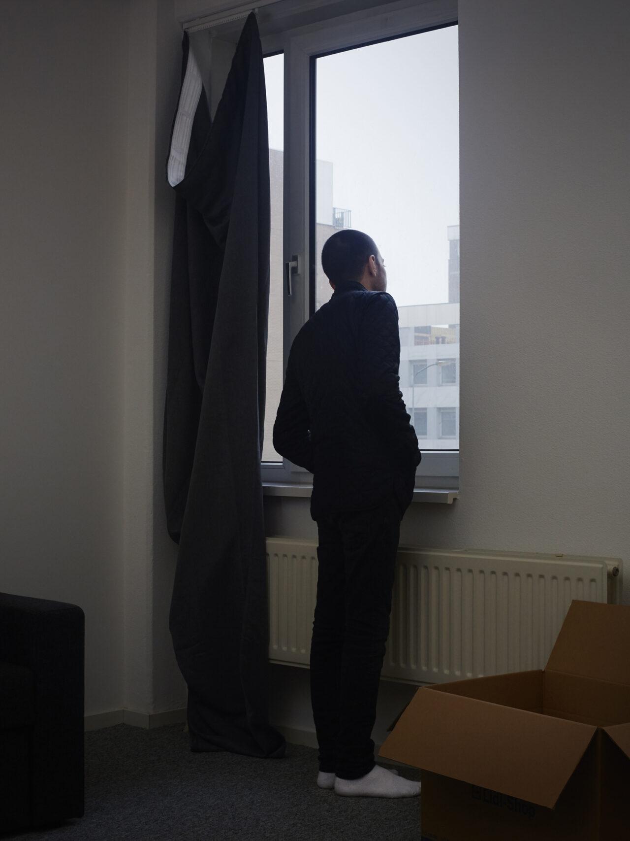Mohamed in zijn nieuwe woning, Wageningen