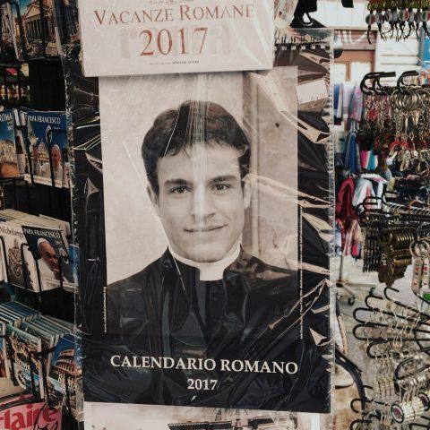 De Katholieke Kerk zit in de kast, zegt deze schrijver. 'Veruit de meerderheid is homo'