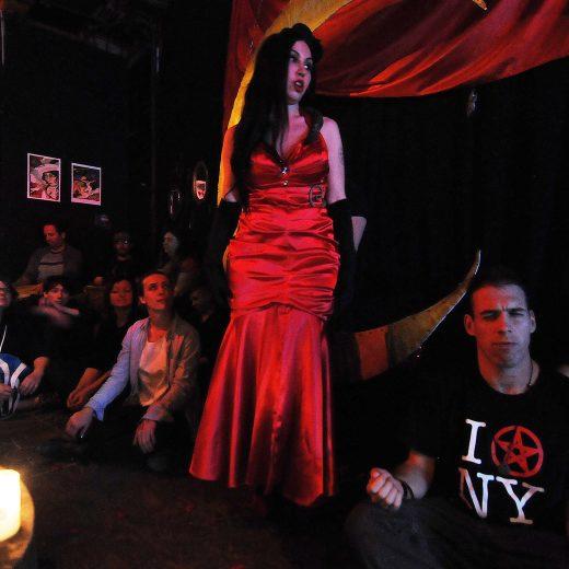 Heksen tegen het patriarchaat: 'De spiritualiteit geeft jongeren autonomie'