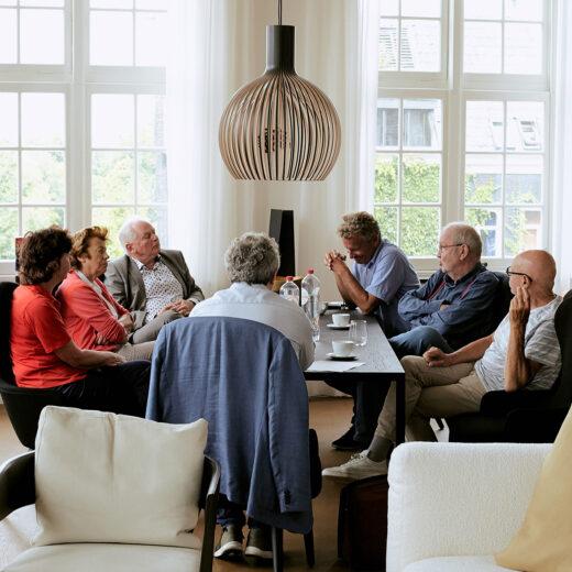 In gesprek met oud-redacteuren: 'Je was 24 uur per dag in dienst van Vrij Nederland'
