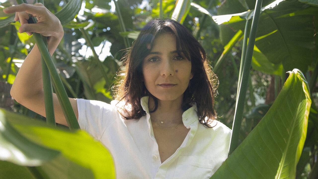 Schrijfster Ottessa Moshfegh: 'Veel mensen durven niet voor hun eenzaamheid uit te komen'