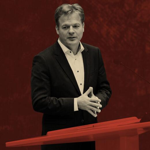 Pieter Omtzigt lost een daverend waarschuwingsschot richting de politieke elite