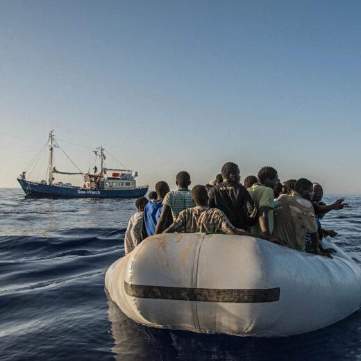 'We vingen 500 mensen op in onze rafts. Waar was Frontex? Waar was de marine?'