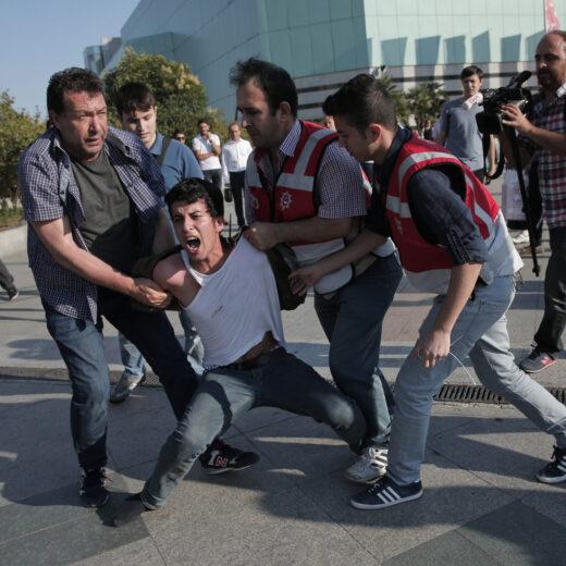 In Turkije is iedereen die aandacht vraagt voor mensenrechten straks terrorist