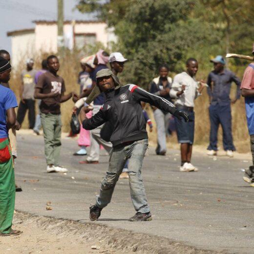 Waarom de Zimbabwanen de ellende eindelijk zat zijn
