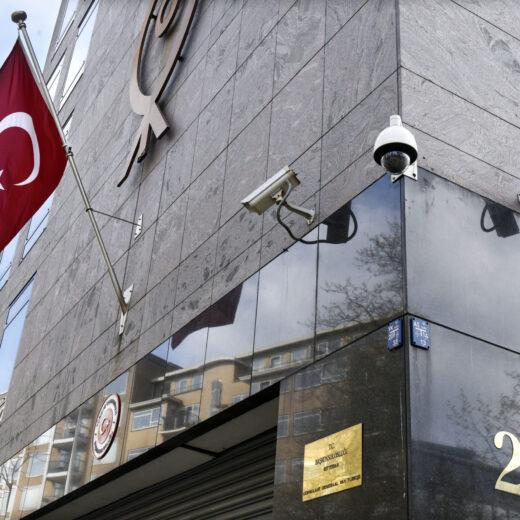 'Zij is die Erdogan-hater', klinkt het geroezemoes