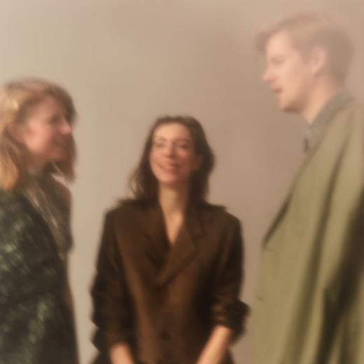 Hanna Bervoets, Persis Bekkering en Joost de Vries: schrijvende dertigers met een mening