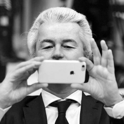 Kijken naar de mond van Wilders. Voorpublicatie uit Enz. van Simon(e) van Saarloos