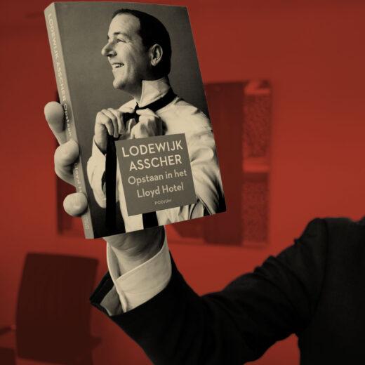 Macht op vrijdag: Hoe Lodewijk Asscher een nieuwe lichtheid vond