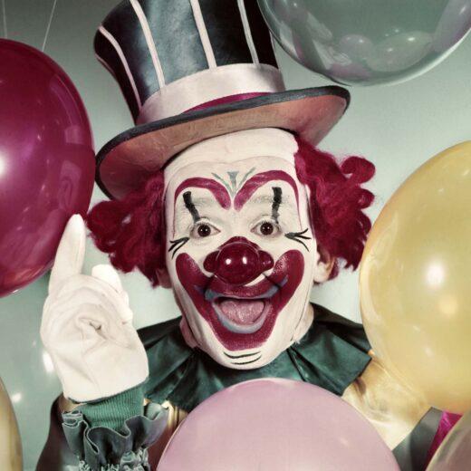 Is de clown tegenwoordig niks meer dan een geschminkte griezel?