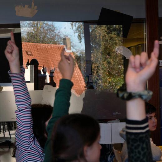 Nederlandse leerlingen hebben een leesprobleem. Op zoek naar beter taalonderwijs