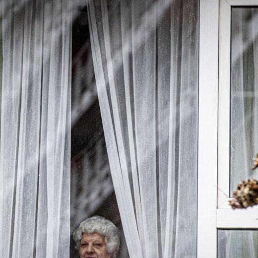 Literaire Kroniek: Ook eenzaamheid kan een feestje zijn, maar je moet zelf de slingers ophangen