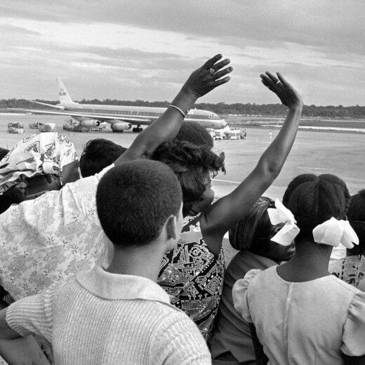 Het wij en zij van Suriname: wie wegging blijft voor altijd een buitenstaander