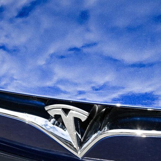 Wat zit er achter de Tesla-manie op de beurs? 'Soms wordt het meer gezien als een referendum over elektrische auto's'