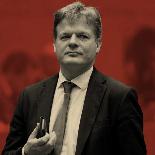 Nieuw leiderschap? Laat Pieter Omtzigt een bezem door Den Haag halen