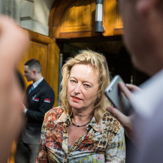 PvdA-minister Jet Bussemaker overtrad EU-regels met opdracht aan campagnebureau BKB